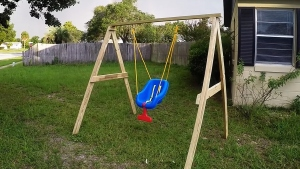 5 things to consider for setting up an outdoor baby swing
